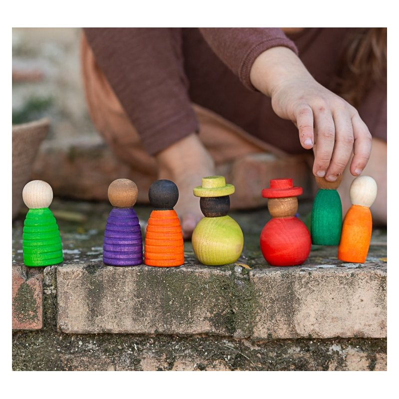 Nins de varias formas y colores Together