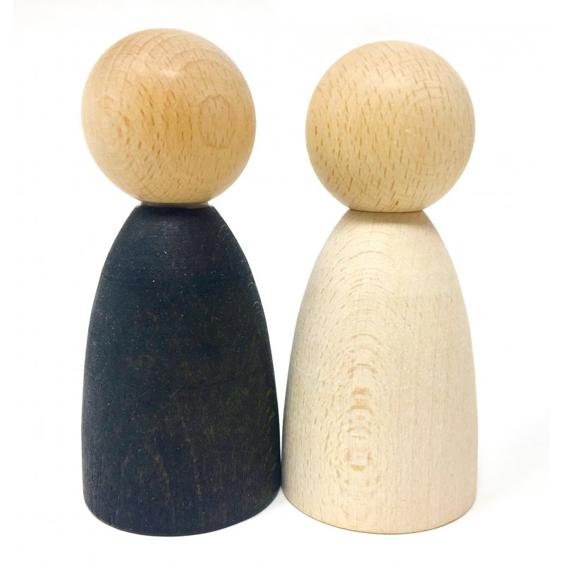 Nins Grans en fusta clara. Grapat