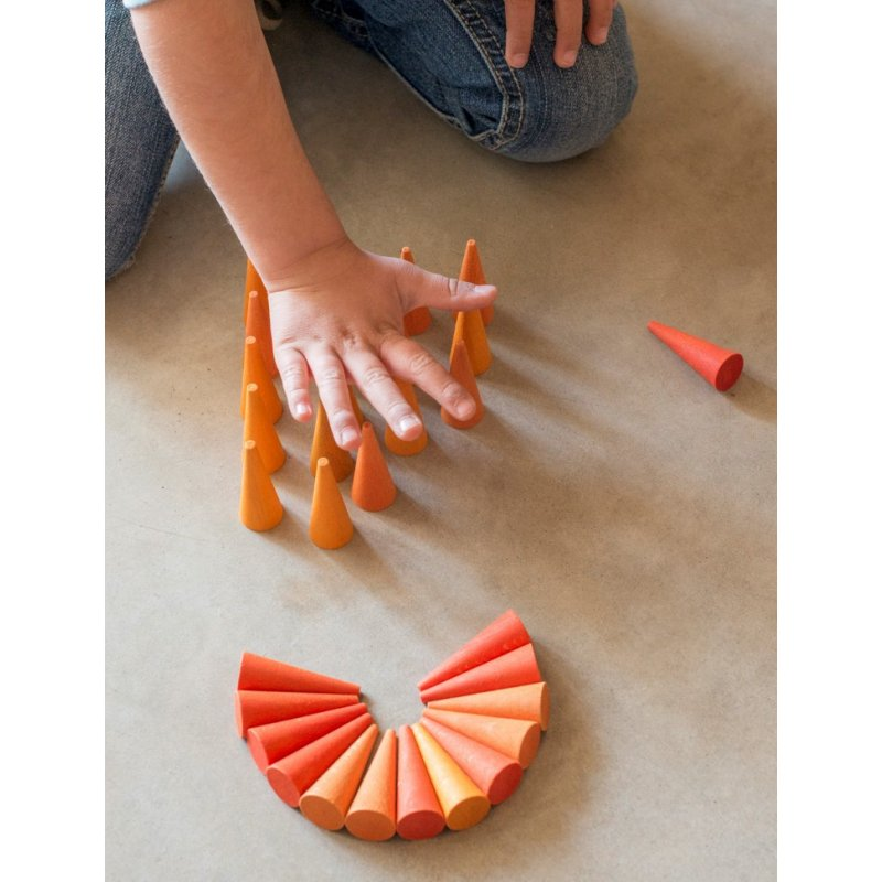 36 pequeños conos naranja para mandalas y minimundos. Joguines Grapat