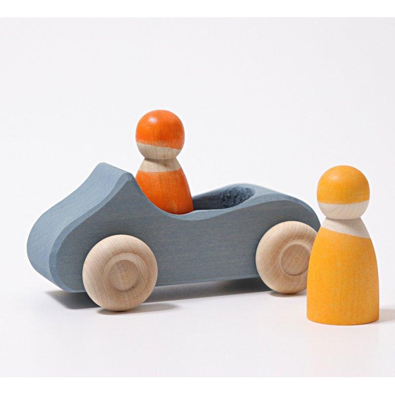Coche de juguete. De madera. Incluye muñecos. Grimm's
